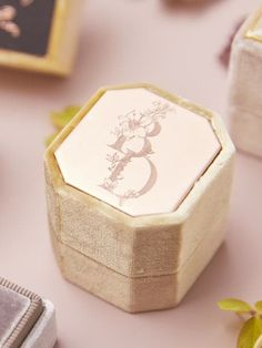 The Mrs. Box Heirloom Velvet Engagement Ring Box Shop Heirloom Velvet Engagement and Wedding Ring Boxes Meet the modern wedding heirloom, The Mrs. Box. Choose from 44 colors and countless personalized options to design your perfect match. #weddingplanning #bridesmaids #gifts #wedding #engagement #ring #velvet #custom #flatlay #styling #photography #ringbox #themrsbox The Eastleigh Bevel Single Wedding Ring Box, Wedding Engagement, Velvet Ring Box, Wedding Planning Inspiration, Monogram Styles, Yellow Wedding, Gold Polish, Silver Roses, Matte Gold