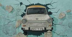 krantencollage val berlijnse muur - Google zoeken