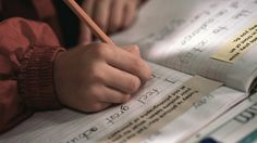 Does your child struggle to express his thoughts, speak or write? Here& the difference between written expression disorder and expressive language issues. Autism Learning, Adhd And Autism, Learning Disabilities, Expressive Language Disorder, Dysgraphia, Dyslexia, School Psychology, Time Quotes, Special Education