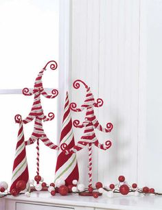 RAZ Christmas Decorations: RAZ Peppermint Kisses Christmas Tree Decorating Idea
