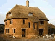 Cadhay - Kevin McCabe Cob Building Specialist Cob Building, Building A House, Green Building, Eco Casas, Earth Bag Homes, Earthship Home, Mud House, Natural Homes, Natural Building