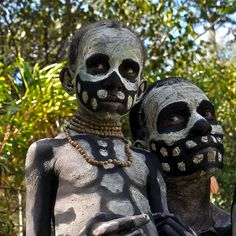 Chimbu tribe and the skeleton - men | Flickr - Photo Sharing!