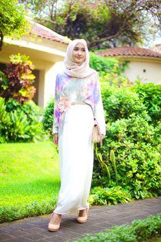 The Merchant Daughter Dian Pelangi: Eid Inspiration : The Jasmine Modest Outfits, Modest Fashion, Skirt Fashion, Hijab Fashion, Fashion Outfits, Muslim Women Fashion, Islamic Fashion, Simple Dresses, Nice Dresses