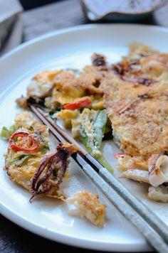 How to make Korean Seafood Green Onion Pancakes, Hamul-Pajeon (해물파전)