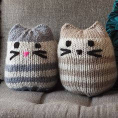 12 Weeks of Gifting – Free Mini Kitty Pouf Pattern!