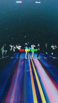Find images and videos about kpop, exo and wallpaper on We Heart It - the app to get lost in what you love. Exo Kokobop, Chanyeol Baekhyun, Kpop Exo, Park Chanyeol, Exo Ot12, Chanbaek, Kpop Love, Wallpapers Kpop, Iphone Wallpapers