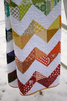 Are you sick of this quilt yet? :)   I knowyou've heard lots about it before [like here  and here ] but it's finally done!!! I was so hap...