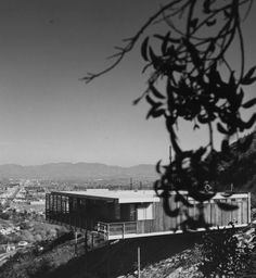 These houses were originally designed by Richard Neutra for the Stone-Fisher development company, and they are sometimes known as the Stone-Fisher Speculative Houses. After disagreements between Ne…
