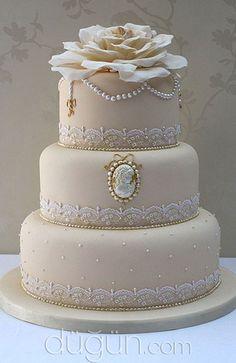 Zarafetin simgesi danteller pastanızda çok şık duracak.