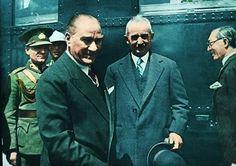 Atatürk ve Ismet Inönü  .