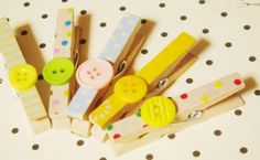 Ever since I'm obsessed with buttons again, I browse around Etsy for inspirations in using buttons for my crafts. So I bought a pack of wooden clothespin in 100 yen shop, the quality isn&#821…
