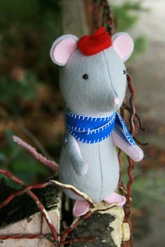 DIY Softie Mouse - FREE Sewing Pattern / Tutorial