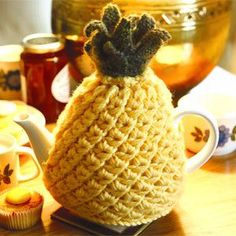 Pineapple Teapot Cosy knit free knitting pattern and more free knitting patterns http://intheloopknitting.com/cosy-knitting-patterns-for-coffee-tea-and-more/