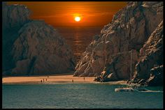 Sunset at Cabo San Lucas, Mexico...so jealous Taylor and Grant are going in May!