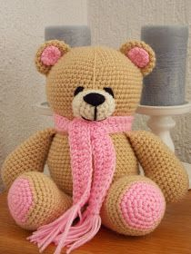 Ik heb mijn zevende beer naar het patroon van de Forever Friends beer van Kristel Droog klaar!! Het zijn zulke leuke beren om te haken!!    ...