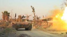 انهيارات متتالية لقوات الأسد والدولة يعزل دير الزور عن مطارها العسكري