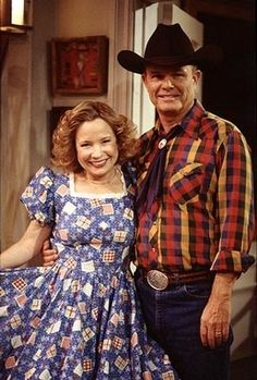 Red And Kitty Go Country That 70s Show Foreman Tv Moms