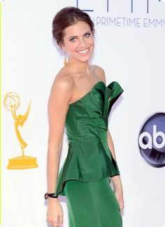 Allison Williams in @Fred Leighton, Emmy Awards