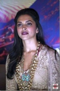 Deepika Padukone Facebook Account Helped the Bollywood Diva in Reaching Out to Fans via Live Chat : http://sholoanabangaliana.in/blog/2014/03/28/deepika-padukone-facebook-account-helped-the-bollywood-diva-in-reaching-out-to-fans-via-live-chat/#ixzz2xbVUUzoc