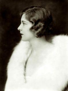 Bonnie Murray performed in the Ziegfeld Follies of 1927