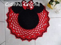 As Disney kitsch as it gets Filet Crochet, Crochet Doilies, Knit Crochet, Diy And Crafts, Crafts For Kids, Arts And Crafts, Mickey Craft, Crochet Disney, Craft Day