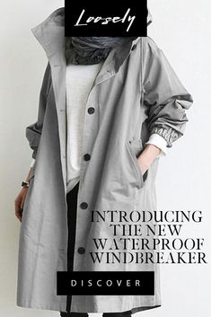 Windbreaker jacket with anti-rain water-resistant protection, featuring a drawstring hood, button up closure and finished with elasticated cuffs. Fashion Over, Look Fashion, Timeless Fashion, Fashion Outfits, Womens Fashion, Looks Style, Style Me, Pretty Outfits, Cool Outfits