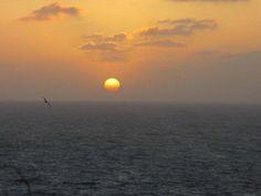 Un tramonto sull'isola.