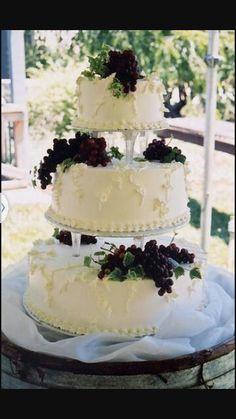 White vine cake