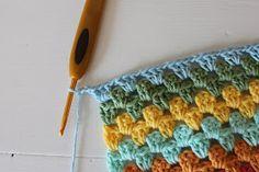 TUSINDFRYD: Sådan laver du Granny Stripes Granny Stripes, Crochet Baby, Knit Crochet, Crochet Projects, Pattern Design, Crochet Patterns, Lost, Quilts, Knitting