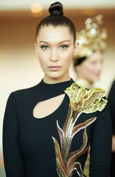 jhessapamisa: Bella Hadid at Met Gala 2015 | Eating Like the French