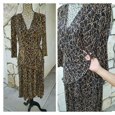 Bronze / Gold  and Black 100%polyester small pleated sliding effects  Stretchy Material to a larger size Connected Apparel by Macys Dresses