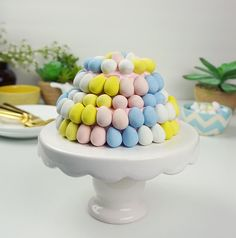 Candy Easter egg cake @FoodBlogs