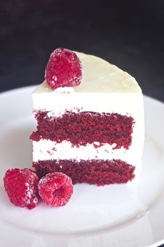 et Cake with Cream Cheese Frosting,best red velvet cake, moist red velvet cake recipe, red velvet cake with oil, red velvet cake, bright red velvet cake Moistest Red Velvet Cake Recipe, Homemade Red Velvet Cake, Best Red Velvet Cake, Bolo Red Velvet, Cream Cheese Recipes, Cake With Cream Cheese, Cream Cheese Frosting, Yummy Treats, Sweet Treats