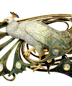 Lalique 1898-99 'Peacock' Chest Ornament detail