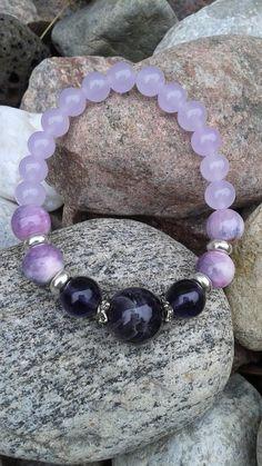 Retrouvez cet article dans ma boutique Etsy https://www.etsy.com/ca/listing/458223000/bracelet-de-jade-lilac-et-agathe-couleur
