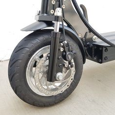 Front suspension Electric Scooter With Seat, Electric Bicycle, Scooters, Scooter Design, Scooter Custom, Mini Bike, Motorcycle, Future Tech, Skateboarding