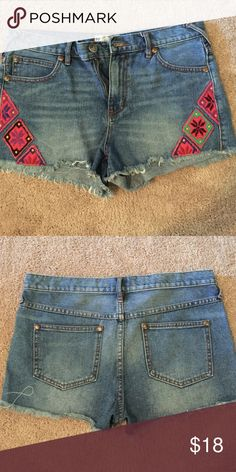 Free people Jean short - Size 28 Free people high waist denim shirt with cute pattern down the side of leg. Free People Shorts