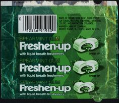 """""""Freshen your breath with Freshen-up, the gum that goes squirt"""". Freshen-up spearmint gum package - I loved Freshen-up! My Childhood Memories, Childhood Toys, Sweet Memories, Nostalgia, Logo Publicidad, Ddr Brd, 80s Kids, Do You Remember, Toys"""