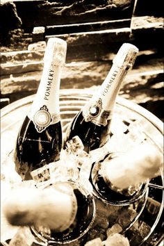 Pommery champagne, the best of them all. Taste like a memory Caviar, Pommery Champagne, Bubble Yum, Hotel Bedrooms, Good Whiskey, Wine Art, Sparkling Wine, Champs, Wines