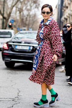 Attendees at Milan Fashion Week Fall 2018 - Street Fashion Milan Fashion  Week Street Style e3b1c7a524c