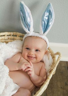 Baby first Easter Bunny, Easter pictures Rabbit Baby Easter Pictures Baby Boy Photos, Newborn Pictures, Baby Pictures, Easter Pictures For Babies, Cute Kids, Cute Babies, Foto Baby, Baby Poses, Holiday Pictures
