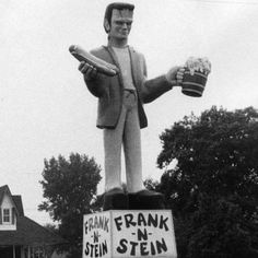 A statue of the Frankenstein monster holding a hot dog and a beer stein advertised Frank 'n Stein restaurant on Gary's East Side on state Route Roy Hall, Chicago Tribune August 1973 Vintage Diner, Vintage Signs, Vintage Photos, The Frankenstein, Frankenstein's Monster, Monster Squad, Monster Mash, Monster Party, Unique Restaurants