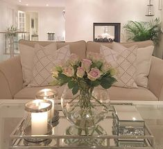 30 Gorgeous Romantic Living Room Decor Ideas - There are dozens of different design styles to choose from when decorating your living room. One thing to remember when decorating your living area is. Room Decor, Home And Living, House Interior, Apartment Decor, Living Room Decor Neutral, Home, Beige Living Rooms, Table Decor Living Room, Living Room Designs