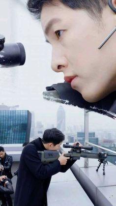 Descendants Of The Sun Song Joong Ki Dots, Kdrama 2016, Soon Joong Ki, Decendants Of The Sun, Korean Tv Series, Sun Song, All Korean Drama, Drama Fever, Song Hye Kyo
