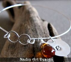 Armband mit Unendlichkeit-Symbol und Edelstein von NadinArtDesign auf DaWanda.com