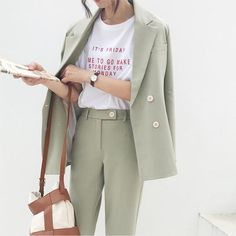 Vintage Double Breasted Women Pant Suit Light Green Notched Blazer Jacket & High Waist Pant 2019 Spring Office Wear Women Suits – lighht green L - Blackfriday Design Office Outfits, Office Wear, Casual Office, Office Uniform, Stylish Office, Work Outfits, Leggins Casual, Coats For Women, Clothes For Women
