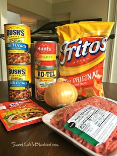 Slow Cooker Smothered Fritos Taco Bowls (Easy) Today's slow cooker recipe is sure to have family and friends cheering - Slow Cooker Smothered Fritos Taco Bowls, a crowd pleasing meal! Slow Cooker Smothered Fritos Taco Bowls AKA, Fristos Pie - Just Crockpot Dishes, Crock Pot Slow Cooker, Crock Pot Cooking, Easy Crockpot Chili, Crockpot Chicken Tacos, Crock Pot Dump Meals, Slow Cooker Dinners, Slow Cooker Ground Beef, Crockpot Chicken And Dumplings