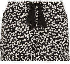 Pin for Later: 23 Choses à Porter Si Vous Restez à la Maison Pour la Saint Valentin  Equipment Short de pyjama en soie lavée à imprimé cœurs Lilian (230€)