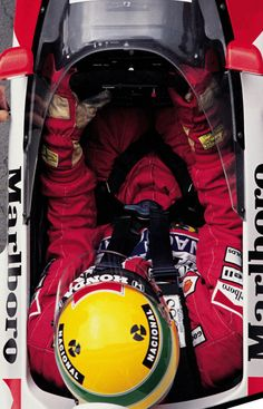 Ayrton Senna no cockpit de seu McLaren durante o GP da Hungria, Hungaroring – 13 de agosto de 1989.