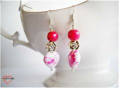 Pendientes Magenta con corazón efecto acuarela y rosa. 4,50€. Tienda online: Etsy/malonsilla o Facebook: Malonsilla Artesanía